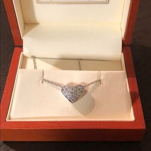 Jewelry - 14k gold and pave diamond heart necklace ❤️